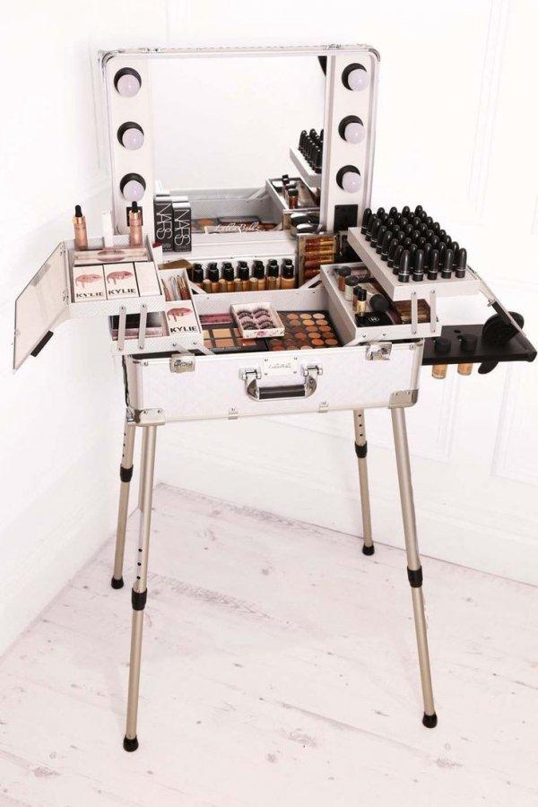 Office equipment, Typewriter, Machine, Furniture, Desk,