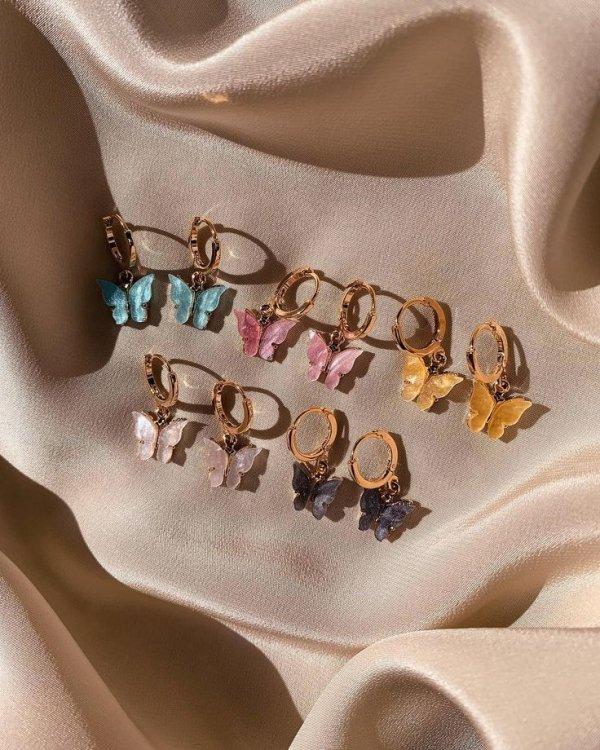 Body jewelry, Fashion accessory, Jewellery, Ear, Neck,