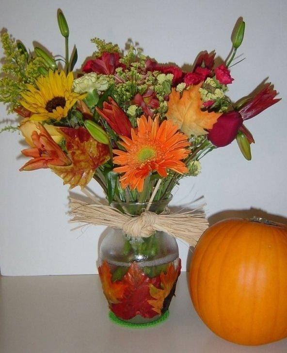 Decoupage Leaves on Vases