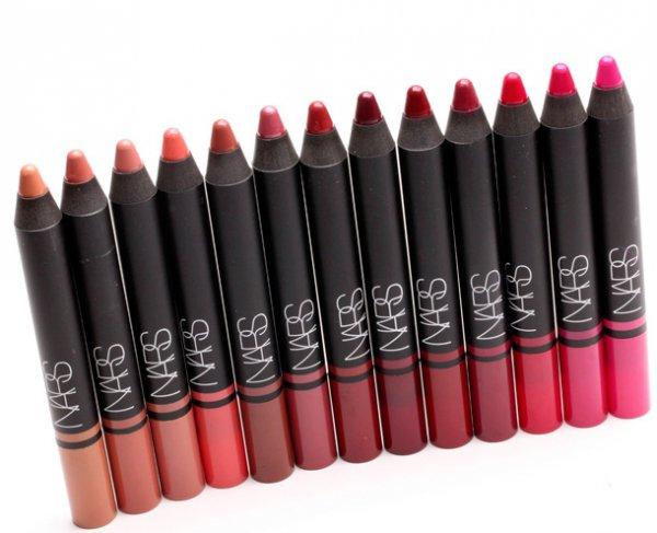 lip, cosmetics, lipstick, lip gloss, eye,
