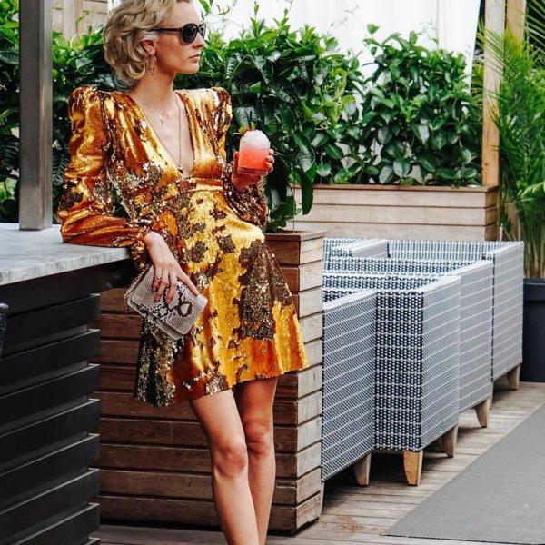 clothing, shoulder, fashion model, outerwear,
