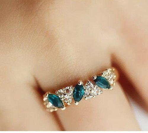 jewellery,fashion accessory,gemstone,hand,ear,