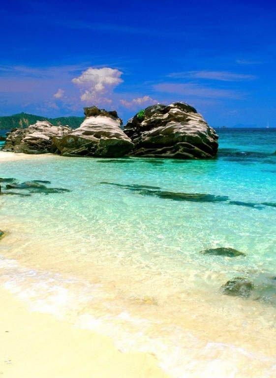 Nai Harn Beach, Rawai, Thailand