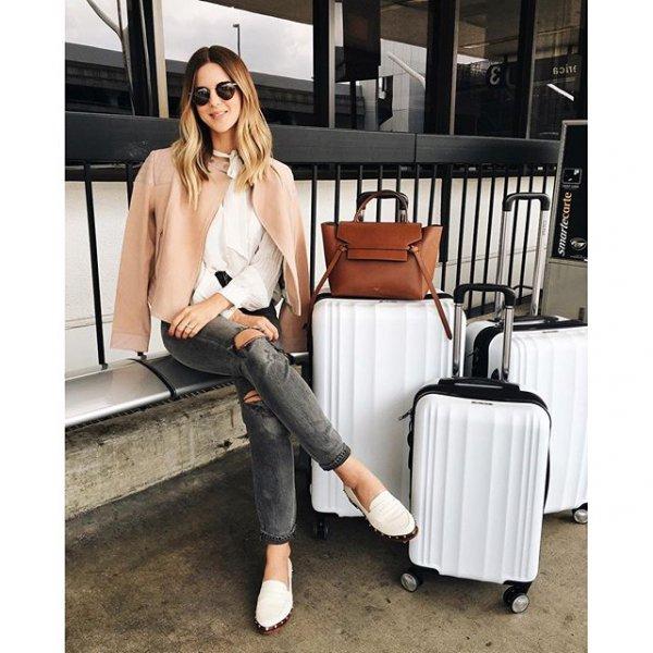 clothing, handbag, footwear, outerwear, leg,