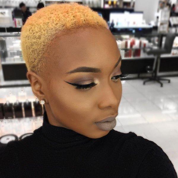 hair,eyebrow,face,hairstyle,forehead,