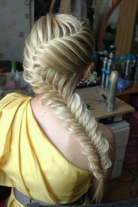 hair,hairstyle,braid,long hair,muscle,