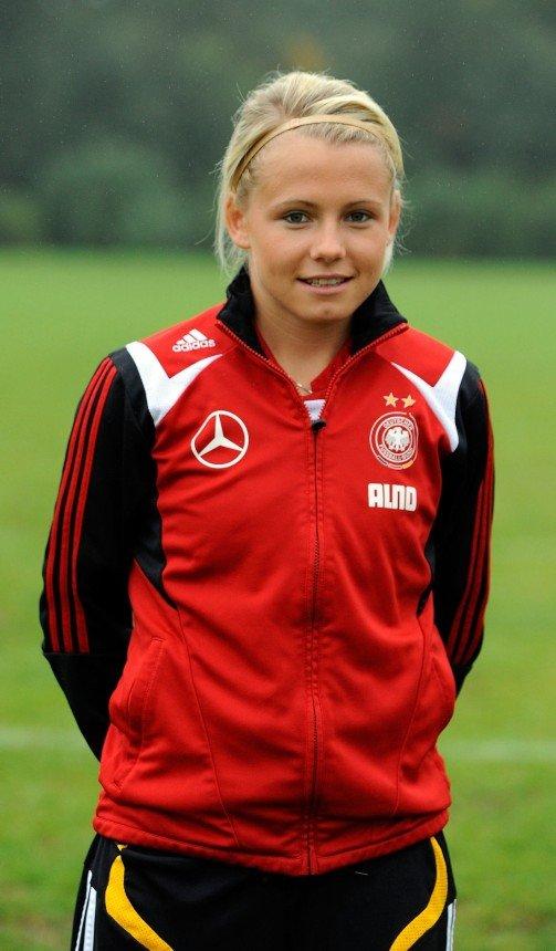 Julia Simic, Germany