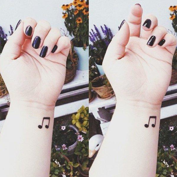 finger,nail,leg,hand,arm,
