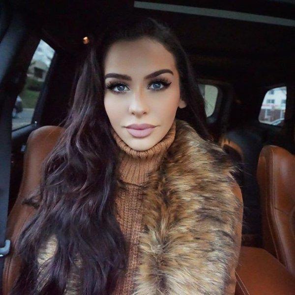 clothing, hair, eyebrow, fur clothing, hairstyle,