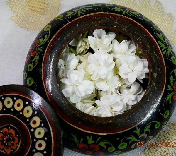 flower, plant, flowerpot, floristry, flower arranging,
