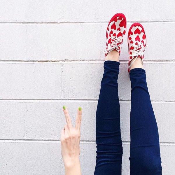 clothing, footwear, leg, arm, shoe,