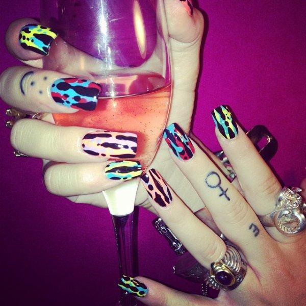 nail, purple, manicure, finger, hand,