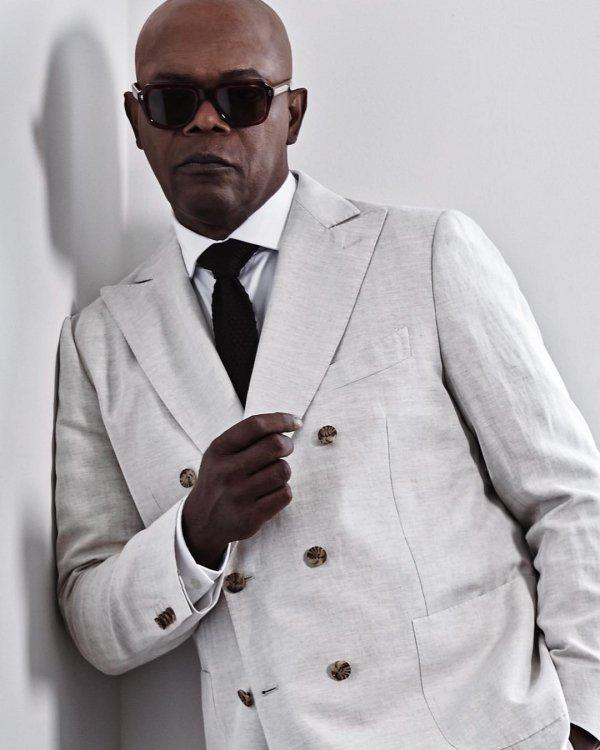 Suit, White, Formal wear, Clothing, Eyewear,