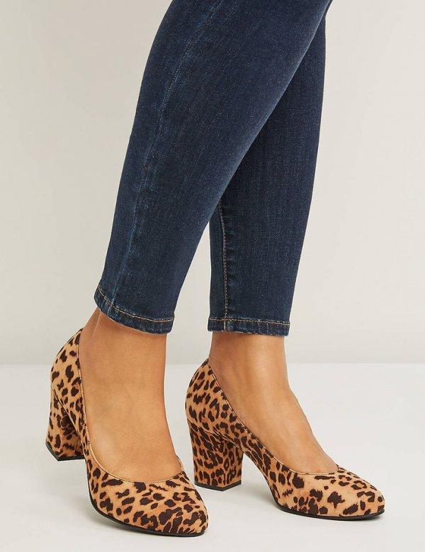 Footwear, Shoe, High heels, Human leg, Brown,