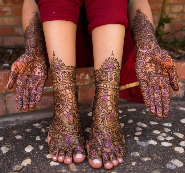 mehndi,pattern,design,henna,leg,