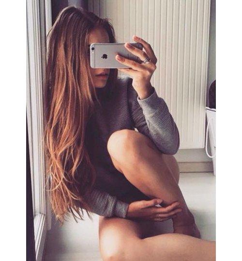 human hair color, hairstyle, selfie, long hair, shoulder,