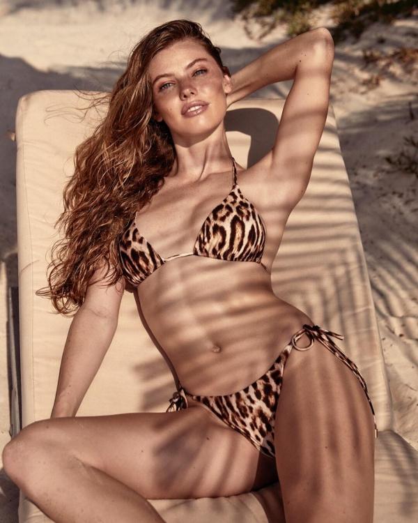 model, supermodel, fashion model, swimwear, lingerie,