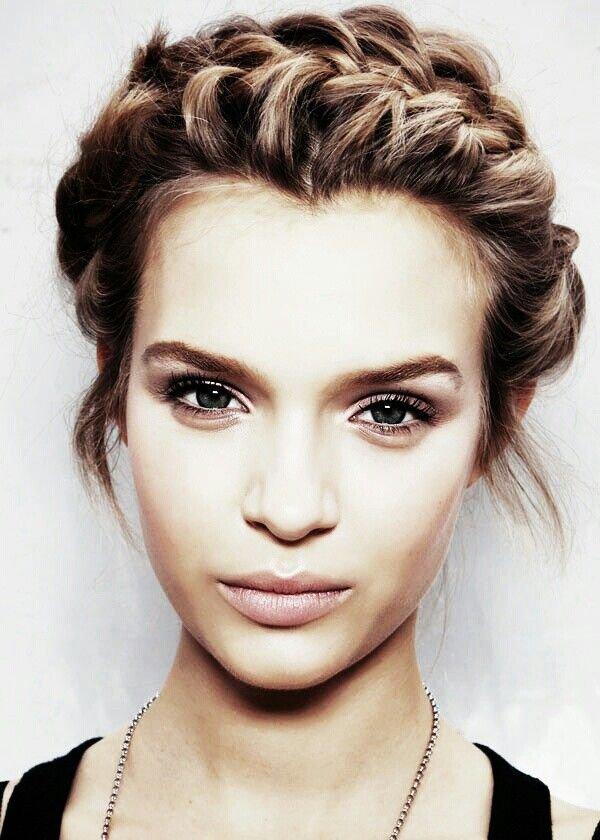 hair,eyebrow,face,hairstyle,nose,