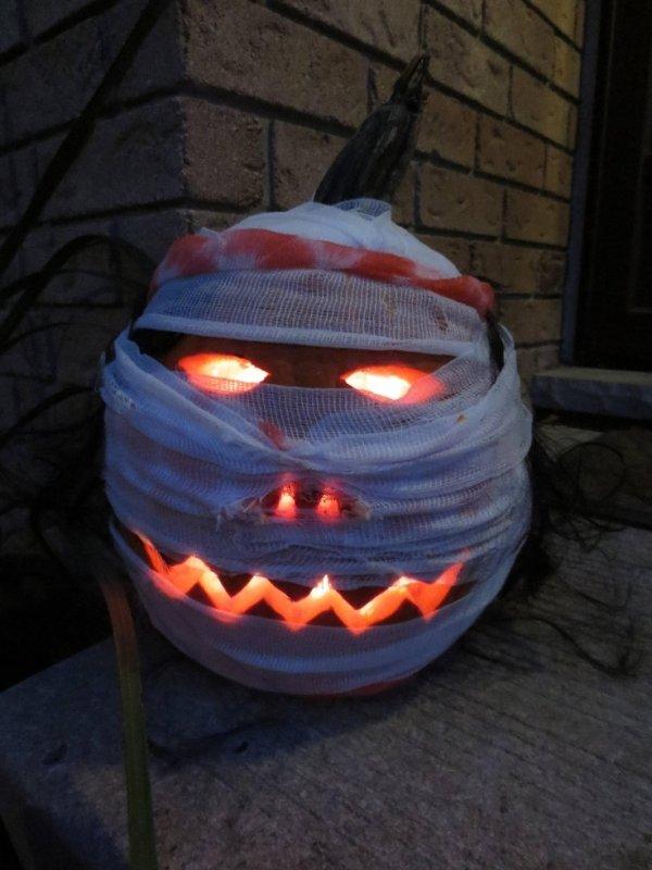 Mummy Jack-O-Lantern