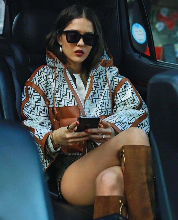 Eyewear, Sunglasses, Cool, Street fashion, Thigh,