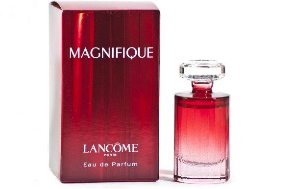 Anne Hathaway Wears Lancôme Magnifique