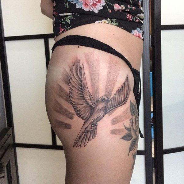 tattoo, joint, undergarment, shoulder, thigh,