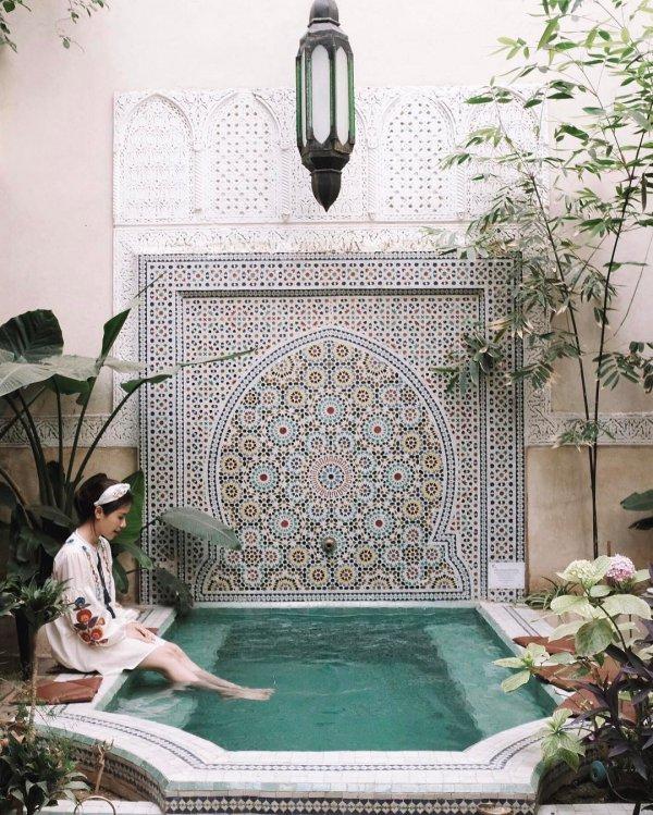fountain, water feature, swimming pool, backyard, garden,