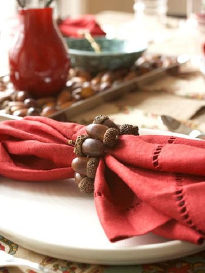 Acorn Napkin Ring: Table Setting Decorating Ideas for Fall...