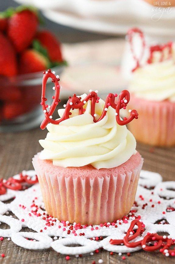 dessert, buttercream, cupcake, whipped cream, icing,