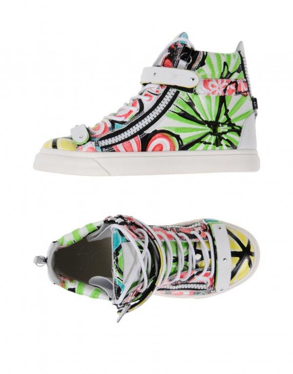 footwear, shoe, green, running shoe, product,
