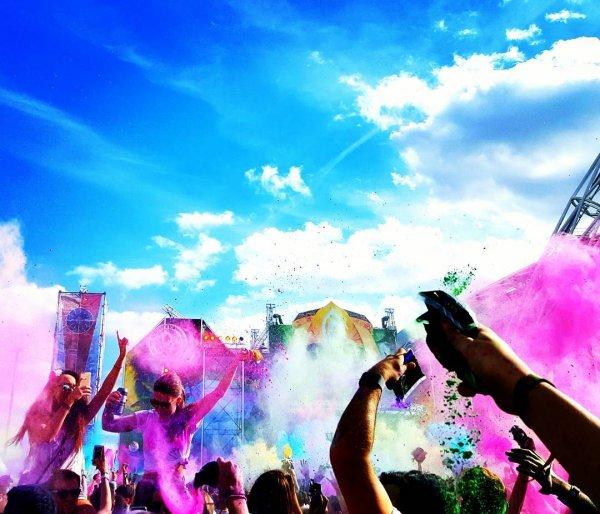 Crowd, People, Sky, Performance, Purple,