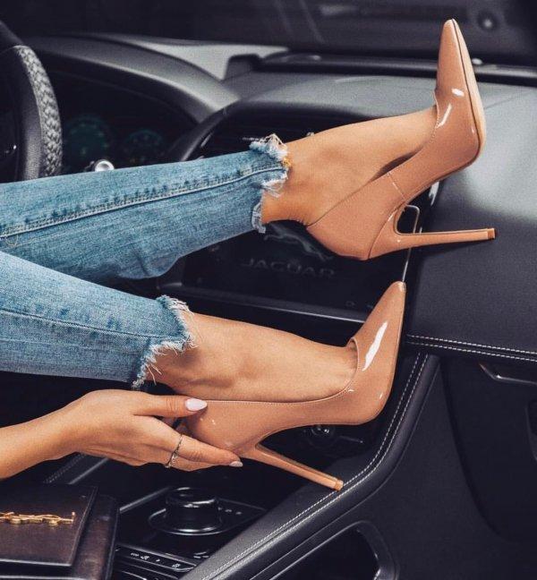 Vehicle door, Leg, Human leg, Automotive design, Beauty,