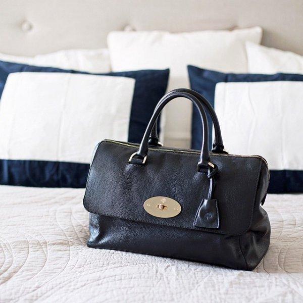 handbag, bag, fashion accessory, tote bag, leather,