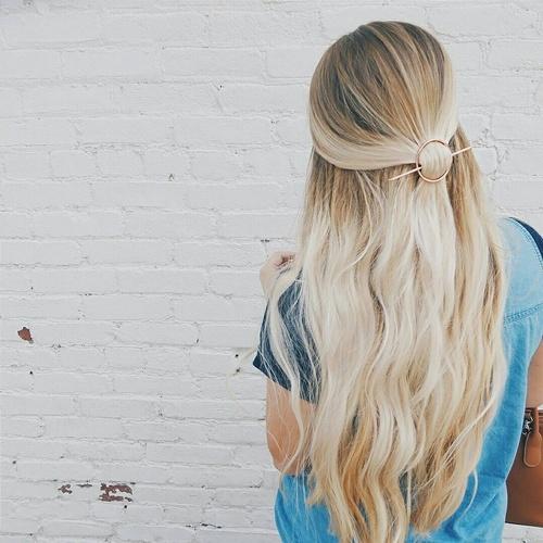 hair,blond,clothing,hairstyle,long hair,