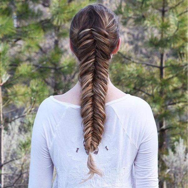hair, hairstyle, long hair, t shirt, braid,