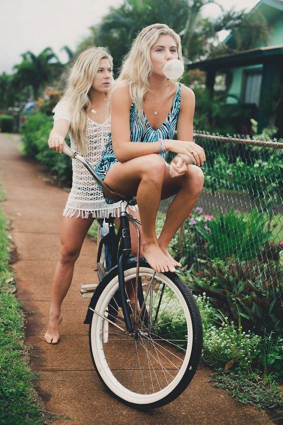 land vehicle, bicycle, road bicycle, vehicle, human hair color,