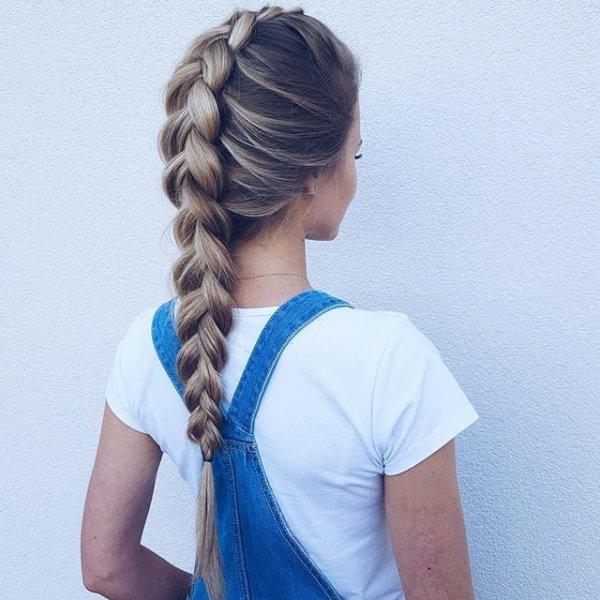hair, hairstyle, t shirt, arm, neck,