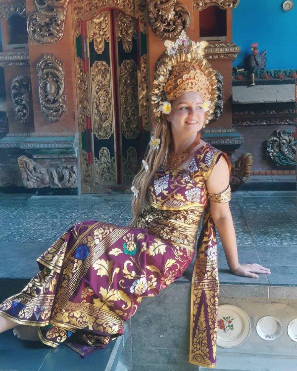 fashion, tradition, temple, sari, jewellery,
