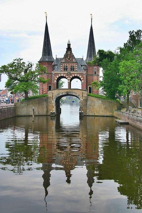 Sneek Waterpoort,reflection,water,river,waterway,