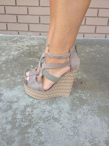 footwear,shoe,leg,high heeled footwear,spring,