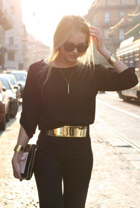 Wear Belts for an Hourglass Figure