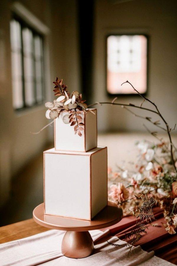 Wedding cake, Wedding ceremony supply, Cake, Cake decorating, Plant,