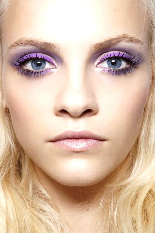 eyebrow,face,hair,eye,nose,