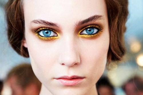 eyebrow,face,hair,nose,eye,