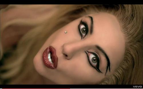 Lady Gaga: Eyeliner Tricks