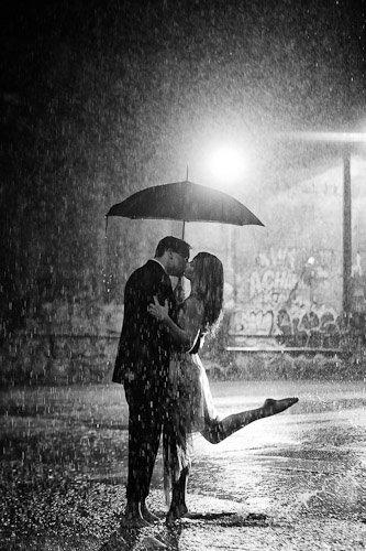 black,black and white,monochrome photography,monochrome,darkness,