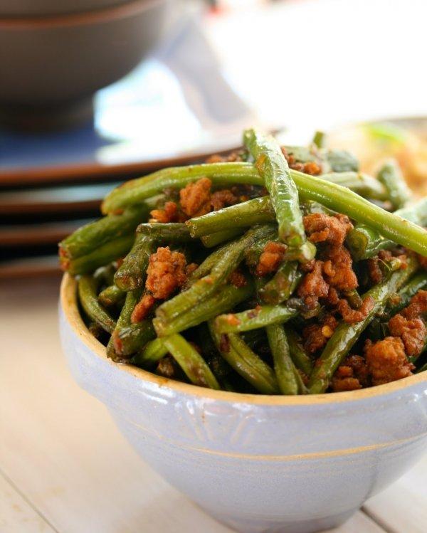 Gānbiān Sìjìdòu (Stir-fried Beans in Ground Pork and Garlic)