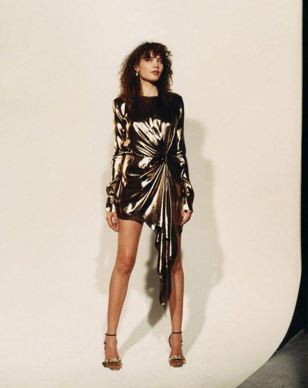 Fashion model, Shoulder, Clothing, Fashion, Leg,