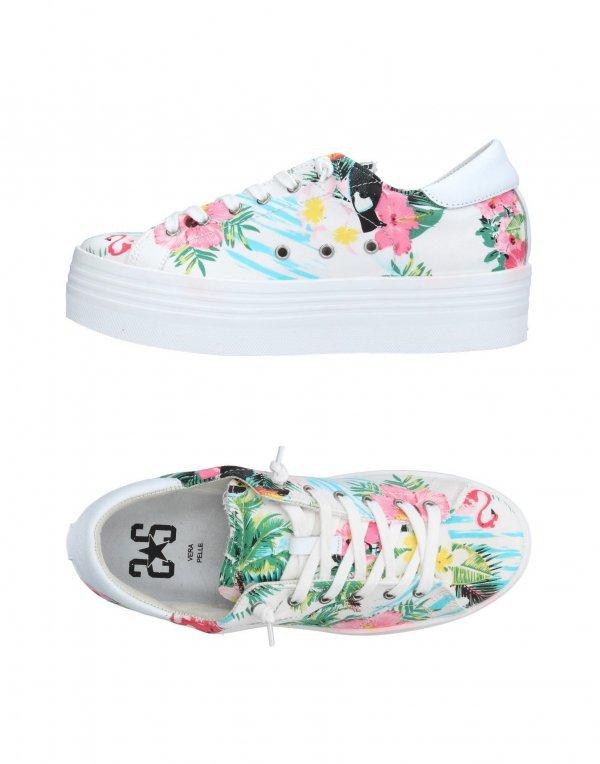 2 Star, footwear, shoe, sneakers, flip flops,