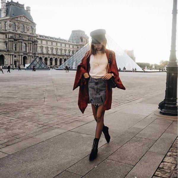 Louvre, clothing, footwear, snapshot, road,
